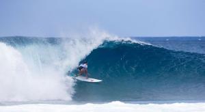 Frankie in der Welle des Tages ©Tony Heff